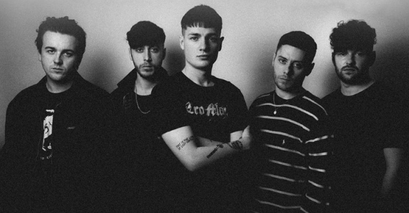 BOSTON MANOR 2018 England s Dreaming Welcome To The Neighbourhood
